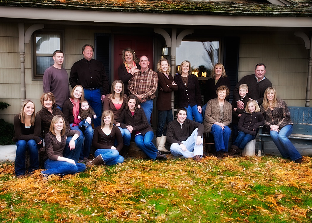 Beautiful large family photograph from Boise's best family portrait photography studio, b&b photography